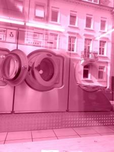 Rosaroter Waschsalon