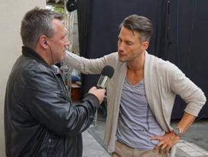 Stefan Bockelmann im Interview mit Hartmut   Bild: Schwule Welle
