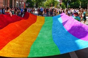 Regenbogenflagge beim CSD in Freiburg 2016