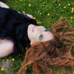 foXee im Gras beim Videodreh Copyright Lukas Jakob